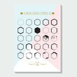 Zwarte hexagon gestileerde die grenzenemblemen op driehoeks blauwe, roze affiche worden geplaatst stock illustratie