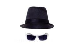 Zwarte hoed en zonnebril royalty-vrije stock afbeeldingen