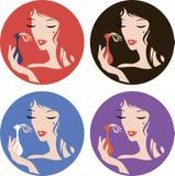Zwarte hoge de hielschoenen van het manier in silhouet Modieus logoGraphic kleurensilhouet van een vrouwen` s gezicht, portret me Royalty-vrije Stock Foto