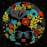 Zwarte hoofdvrouw met vreemd kapsel Stock Fotografie