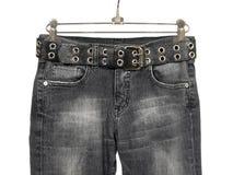 Zwarte jeans met leerriem Royalty-vrije Stock Afbeelding