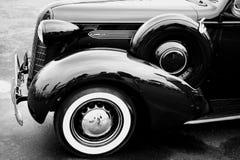Zwarte klassieke auto Stock Afbeelding
