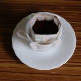 Zwarte koffie en koffiebonen royalty-vrije stock afbeeldingen