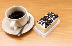 Zwarte koffie met cake Royalty-vrije Stock Fotografie