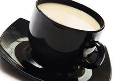 Zwarte koffiekop die op wit wordt geïsoleerd Stock Afbeelding