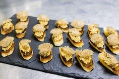 Zwarte lei met Brood, foie en truffelcocktail Royalty-vrije Stock Foto
