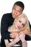 Zwarte man en witte vrouw in liefde royalty-vrije stock foto