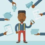 Zwarte mens met in hand smartphone Royalty-vrije Stock Foto's