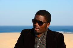 Zwarte mens met zonnebril Royalty-vrije Stock Fotografie