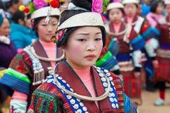Zwarte Miao-meisjes die bij festival, Kaili, Guizhou-Provincie dansen royalty-vrije stock fotografie