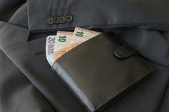 Zwarte monetaire euro bankbiljetten Stock Foto
