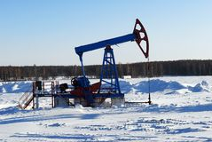 Zwarte oliepomp Stock Afbeeldingen