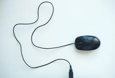 Zwarte PC-muis met lange kabel Royalty-vrije Stock Afbeelding
