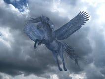 Zwarte Pegasus in Blauwe Hemel Royalty-vrije Stock Afbeeldingen