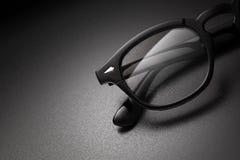 Zwarte plastic oogglazen met exemplaarruimte royalty-vrije stock afbeelding