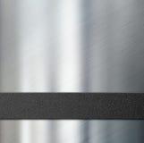 Zwarte plastic streep over metaal 3d illustratie als achtergrond Royalty-vrije Stock Foto