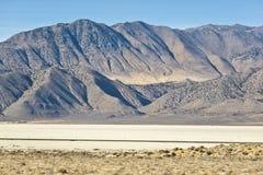 Zwarte playa en de bergen van de Woestijn van de Rots Royalty-vrije Stock Afbeeldingen