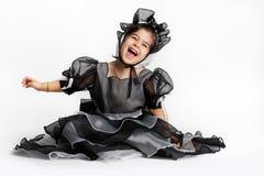 Zwarte prinseskleding en bonnet stock fotografie
