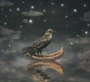 Zwarte Raaf in een boot bij de rivier magische nacht Royalty-vrije Stock Fotografie