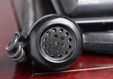 Zwarte retro telefoon Stock Afbeeldingen