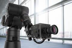 Zwarte robotachtige camera Royalty-vrije Stock Afbeeldingen