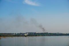 Zwarte rook van fabriek Royalty-vrije Stock Fotografie