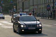 Zwarte Russische politiewagen Royalty-vrije Stock Afbeeldingen