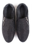 Zwarte schoenen met bergkristallen, hoogste mening Stock Foto's