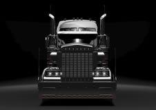 Zwarte semi vrachtwagen in dark Stock Foto's