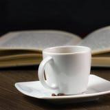 Zwarte sterke koffie op de lijst Stock Afbeelding
