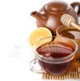 Zwarte thee in een transparante glaskop Royalty-vrije Stock Foto's