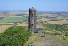 Zwarte toren van Hazmburk-kasteel Stock Foto's