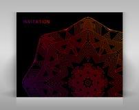 Zwarte uitnodiging met geometrische decoratie Stock Afbeeldingen