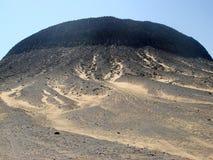 Zwarte woestijn vulkanische heuvel in Egypte, dichtbij Farafra Royalty-vrije Stock Afbeelding