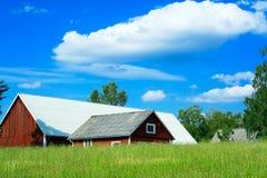 Zweeds landbouwbedrijflandschap Stock Afbeeldingen