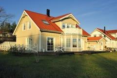 Zweeds middenklassehuis stock foto