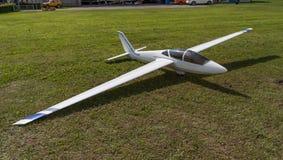 Zweefvliegtuig - ModelGlider - vlucht Stock Afbeeldingen