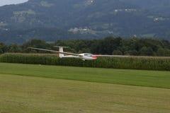 Zweefvliegtuig - ModelGlider - vlucht Stock Afbeelding