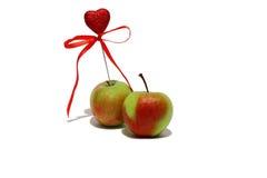 Zwei Äpfel mit Innerem Stockfotos