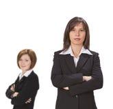 Zwei überzeugte Geschäftsfrauen Lizenzfreie Stockbilder