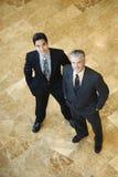 Zwei überzeugte Geschäftsmänner Stockfotografie
