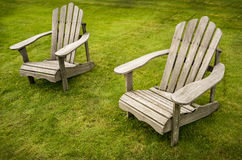 Zwei Adirondack-Stühle Lizenzfreies Stockfoto