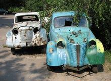 Zwei alte Autos Stockbilder