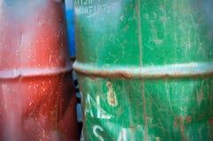 Zwei alte Fässer Lizenzfreie Stockfotos