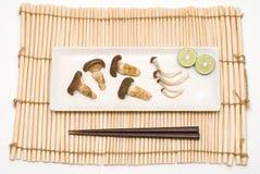 Zwei Arten gebratener Pilz Lizenzfreies Stockfoto