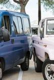 Zwei Autos, die sich blockieren Stockbild