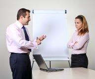 Zwei Büroangestellte - Darstellung stockfoto