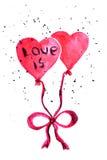 Zwei Ballone in Form eines Herzens, das mit einem Band mit der Aufschrift gebunden wird, lieben Lizenzfreie Stockfotos