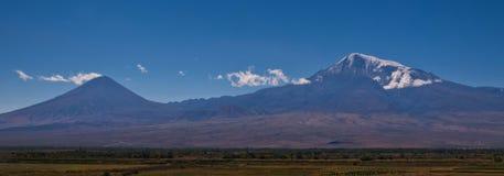 Zwei Berge Lizenzfreie Stockfotos