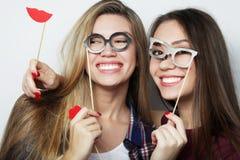 Zwei beste Freunde der stilvollen sexy Hippie-Mädchen bereit zur Partei Stockfotografie